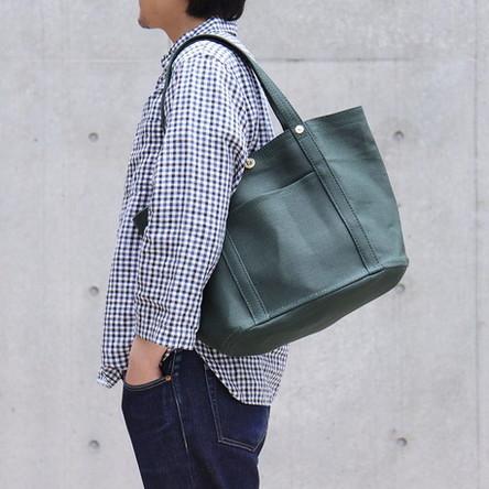 緑麻 / モデル: 175 cm
