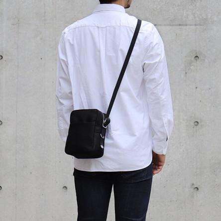 黒麻 / モデル: 180 cm