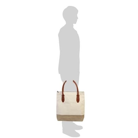 生成り × ベージュ / モデル: 175 cm