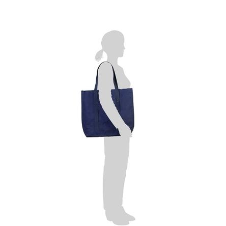 紺 × 紺 / モデル: 160 cm