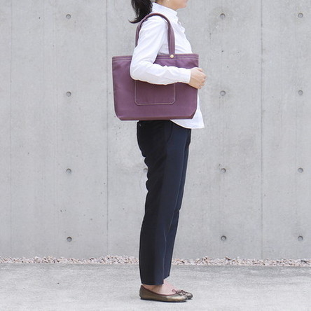 紫 / モデル: 160 cm