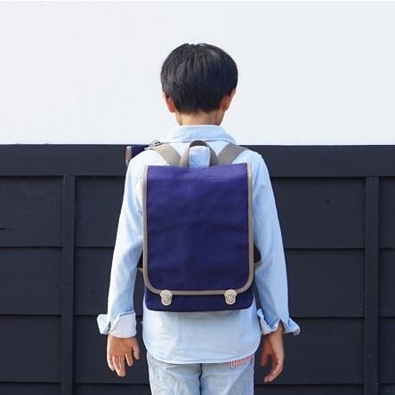 紺 × グレー / モデル: 9歳