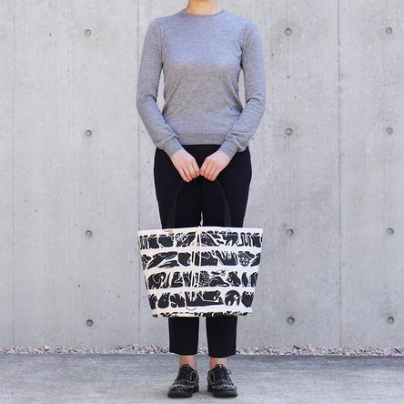 生命(いのち)の行進 × 黒 / モデル: 165 cm