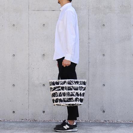 生命(いのち)の行進 × 黒 / モデル: 180 cm
