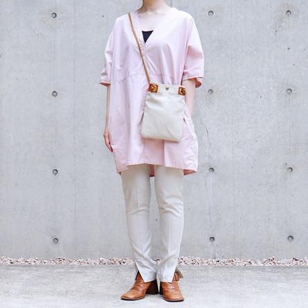 Off-white  / Linen / model: 160 cm
