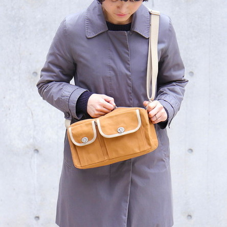 Light-brown × Beige / model: 165 cm