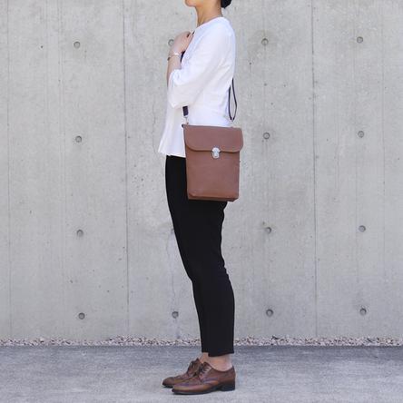 Dark-brown × Navy / model: 165 cm