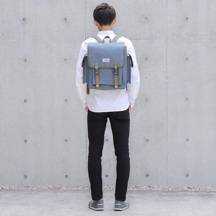 青ねず × オリーブ / モデル: 180 cm
