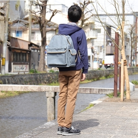 Blue-gray × Beige / model: 165 cm